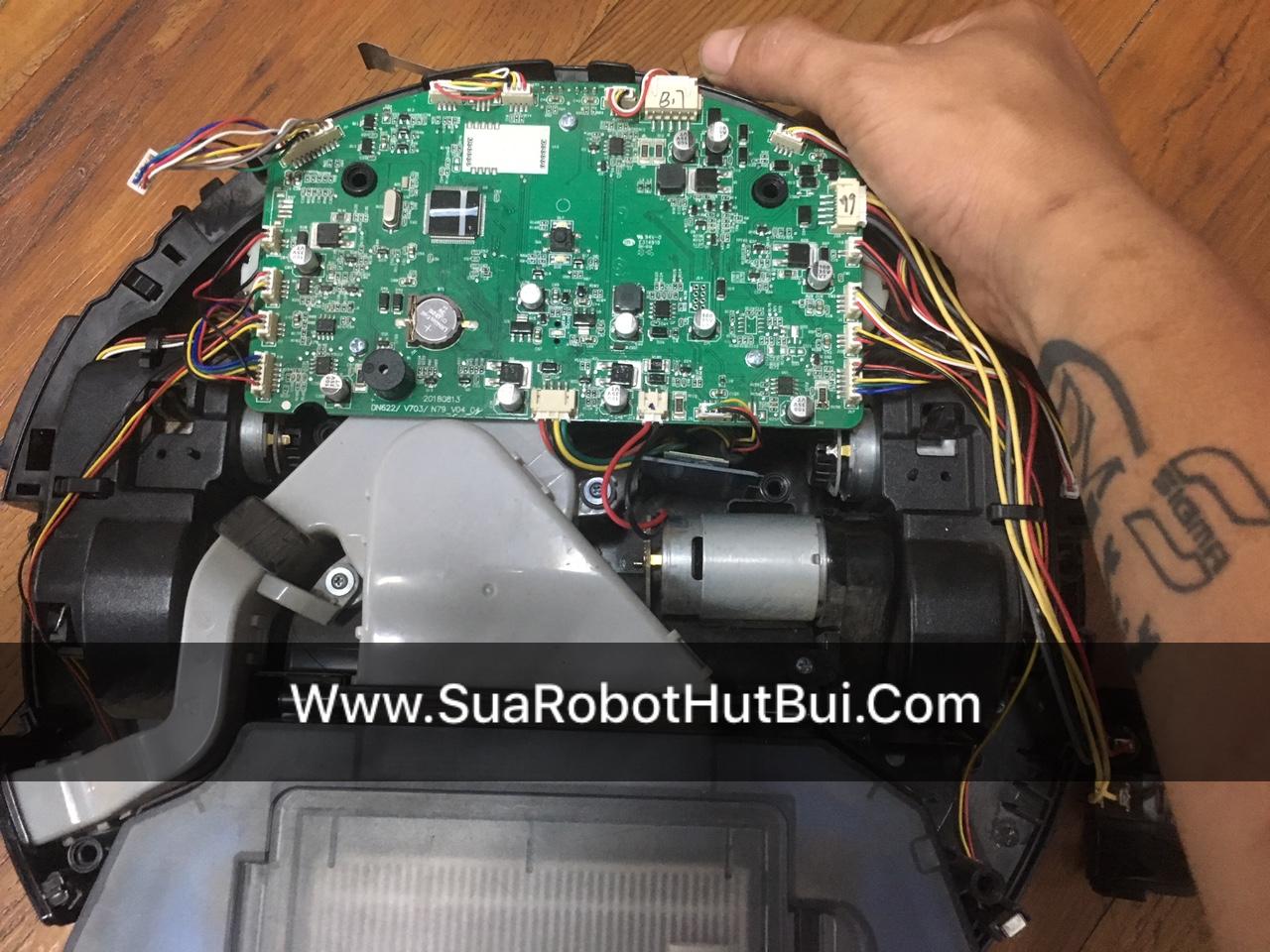 Sửa robot hút bụi Deebot DN622