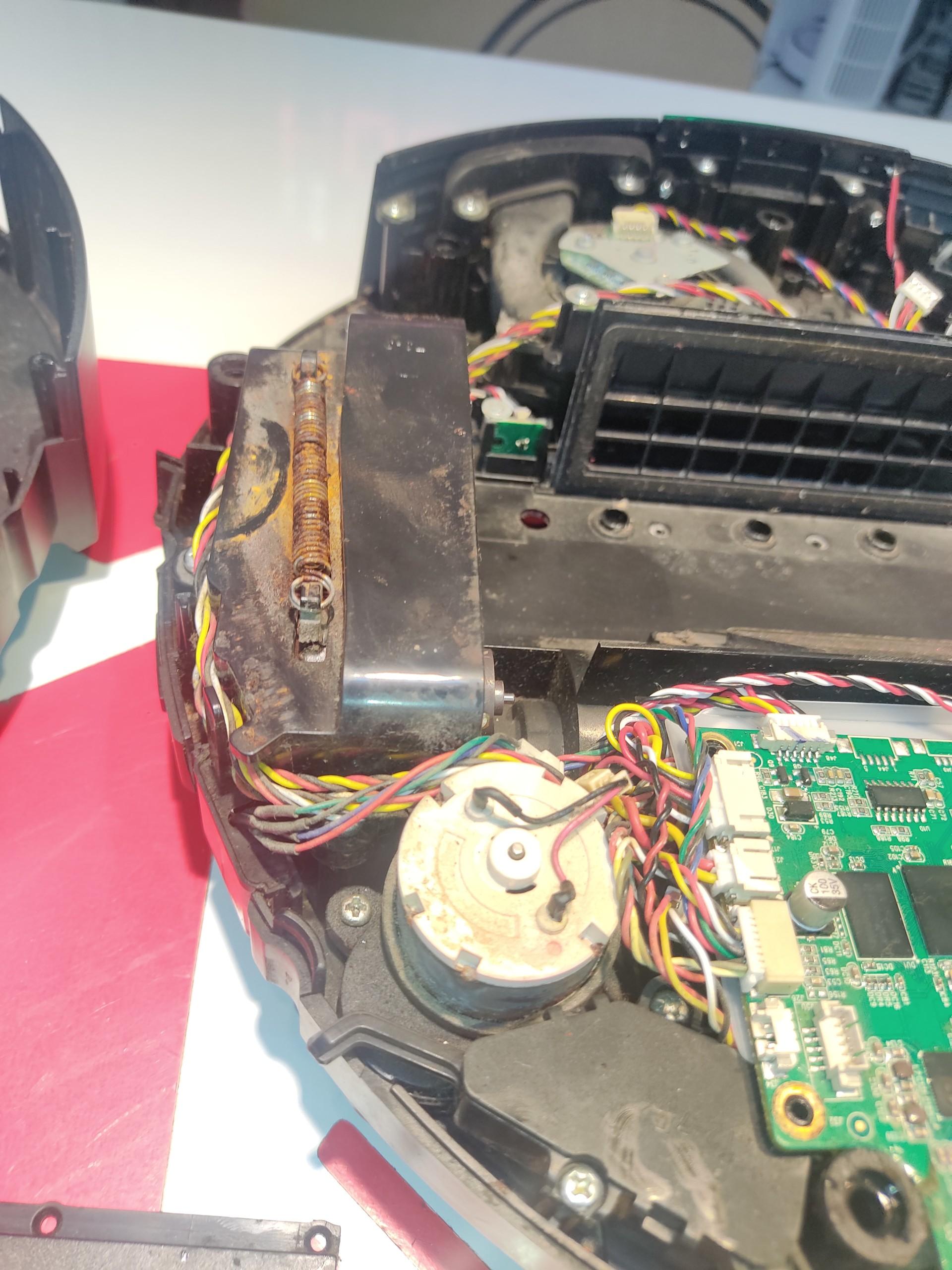 Sửa robot hút bụi Xiaomi Gen 2 bị lỗi đèn nhấp nháy không hoạt động sau khi vào nước